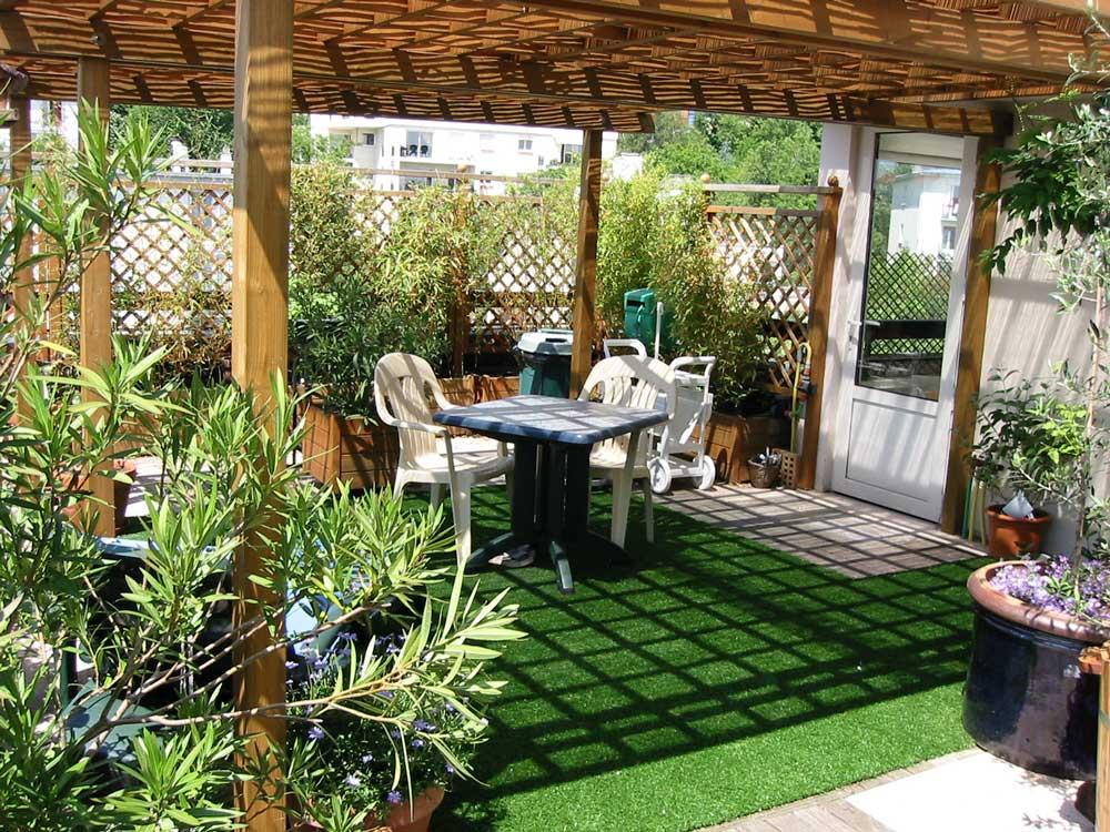quoi choisir pour le sol du jardin astuces bricolage. Black Bedroom Furniture Sets. Home Design Ideas
