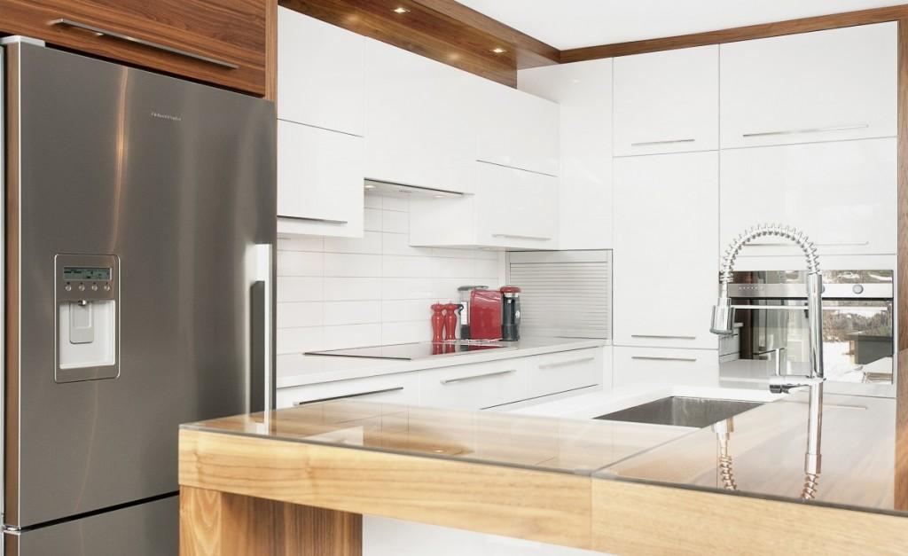 les diverses formes d 39 armoires de cuisines astuces bricolage. Black Bedroom Furniture Sets. Home Design Ideas