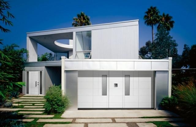 bien choisir sa porte de garage astuces bricolage. Black Bedroom Furniture Sets. Home Design Ideas