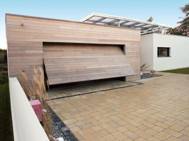 Bien choisir sa porte de garage astuces bricolage - Porte de garage moderne ...