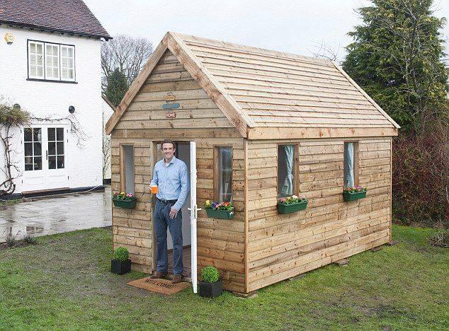 etapes en image pour construire une remise dans votre. Black Bedroom Furniture Sets. Home Design Ideas