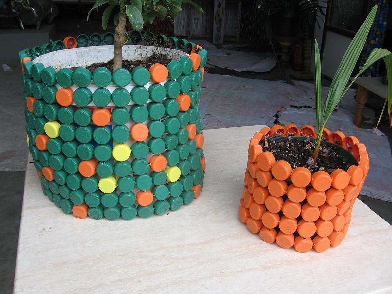 9 id es de r cup ration de bouchons en plastique bricolage maison. Black Bedroom Furniture Sets. Home Design Ideas