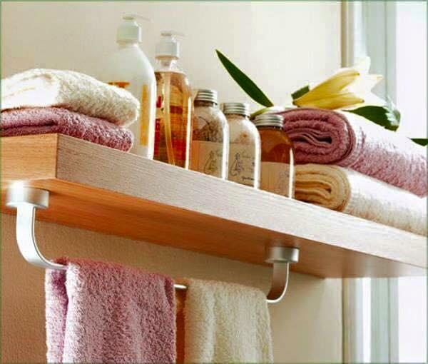Des id es de rangements dans la salle de bain astuces - Range serviette salle de bain ...