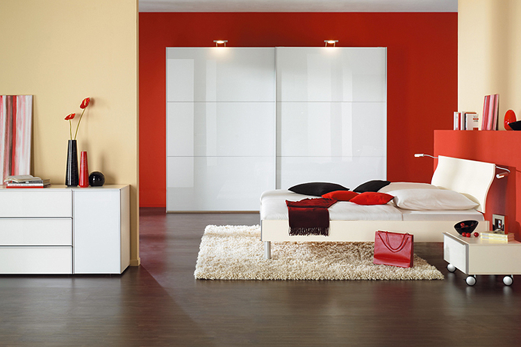 Associations des couleurs pour une d coration int rieure for Chambre a coucher noir et rouge