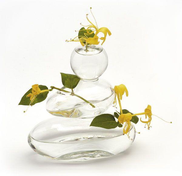 les vases design avec ou sans fleurs astuces bricolage. Black Bedroom Furniture Sets. Home Design Ideas