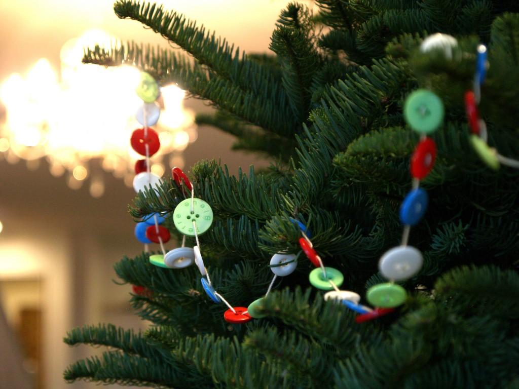 #B37F18 Des Décorations De Noël à Faire Avec Des Boutons Astuces  5305 décorations de noel à faire 1024x768 px @ aertt.com