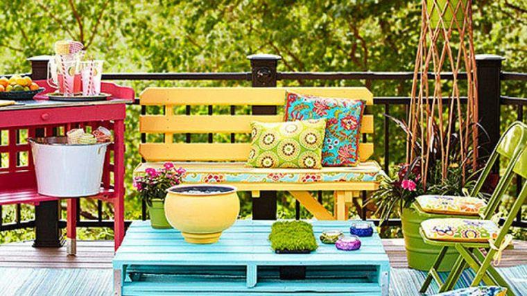 Collection de salons de jardin en palettes astuces for Table jardin bleu