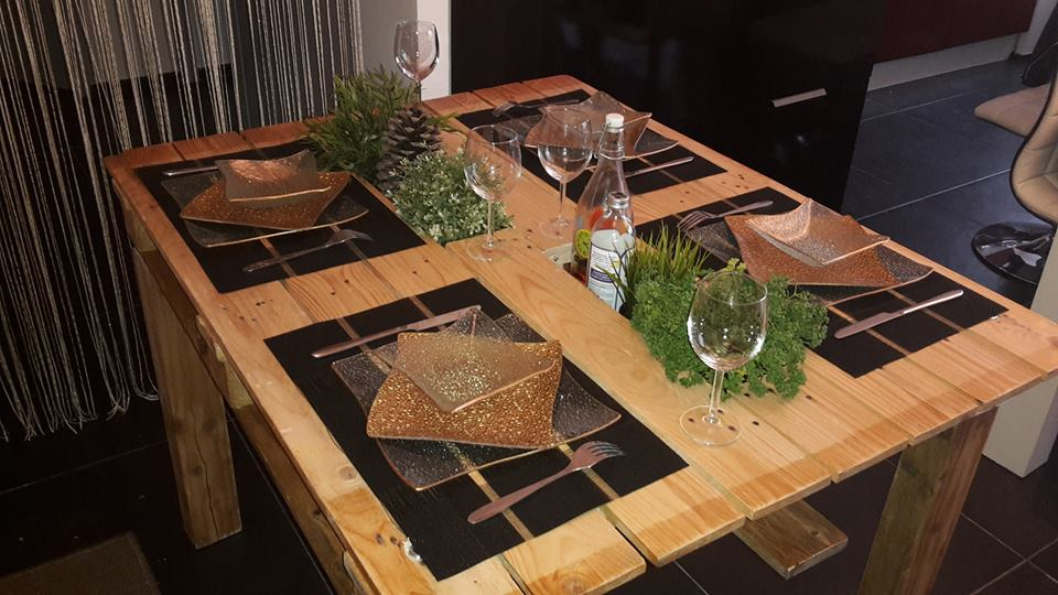 Tuto en images pour cr er cette jolie table en palettes for Table 52 2016