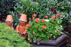 Astuces bricolage for Decorer son jardin avec des pierres