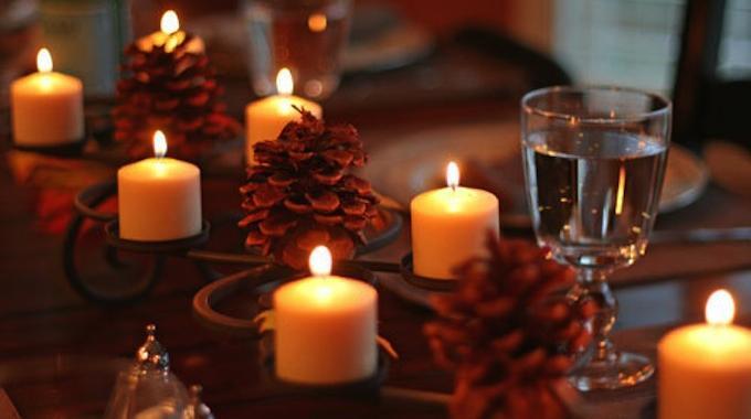 astuces pour enlever cire des bougies astuces bricolage. Black Bedroom Furniture Sets. Home Design Ideas