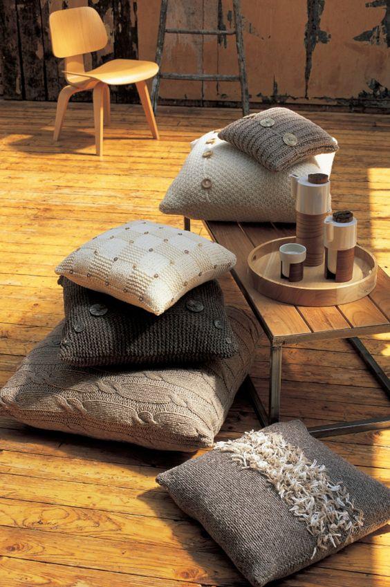 tricot coussins tricoter coussins en laine astuces. Black Bedroom Furniture Sets. Home Design Ideas