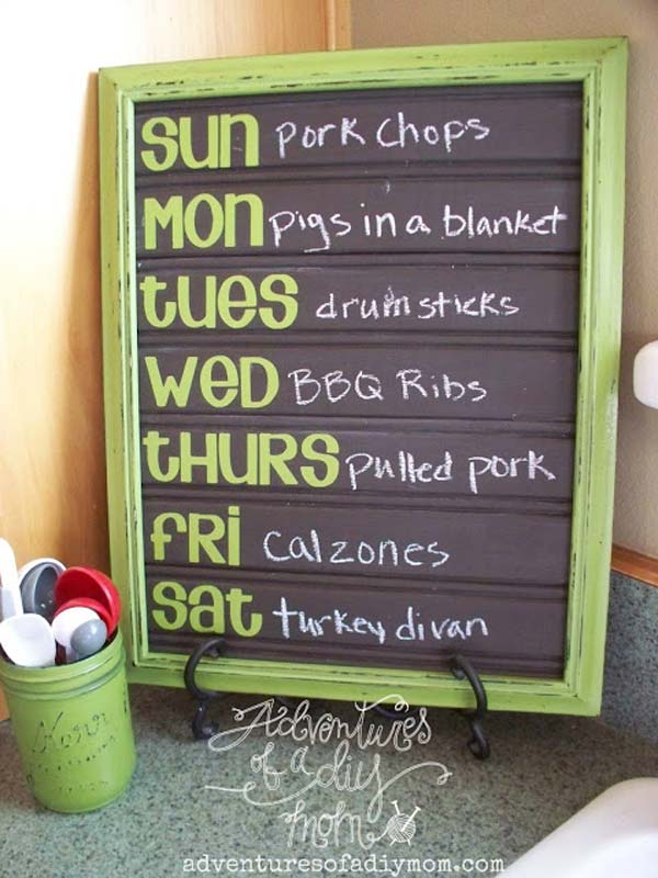chalkboard-on-kitchen-11