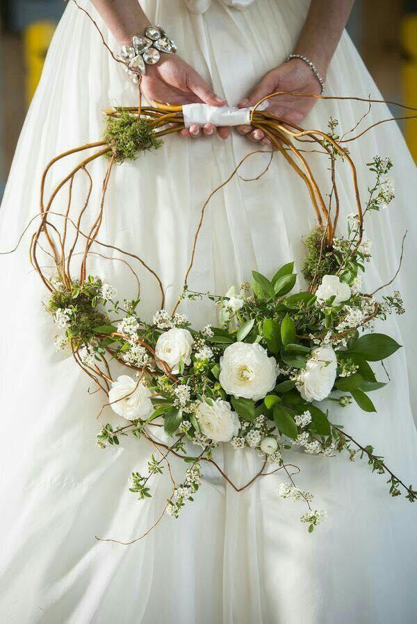 11 mod les originaux de bouquets de fleurs pour la mari e astuces bricolage. Black Bedroom Furniture Sets. Home Design Ideas