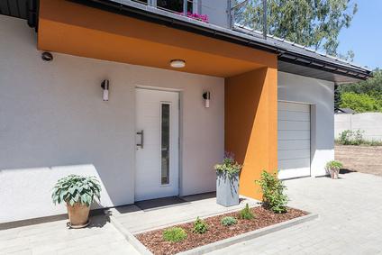 comment r aliser un enduit color simple sur un mur. Black Bedroom Furniture Sets. Home Design Ideas