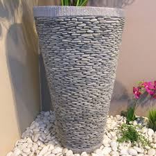 Des idées de décoration de jardin avec des galets ...
