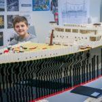 Brynjar Karl Birgisson un enfant qui a créé Titanic en Lego
