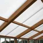 Les avantages des plaques en polycarbonate dans les travaux de couverture