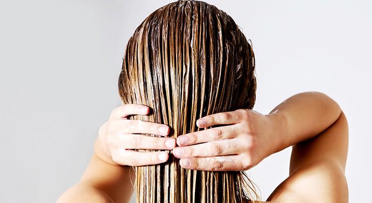vinaigre blanc et cheveux