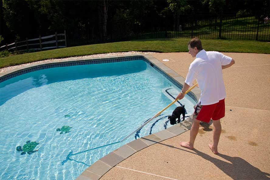 outils entretien piscine